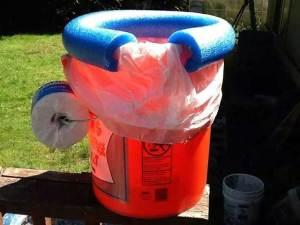 Poop bucket
