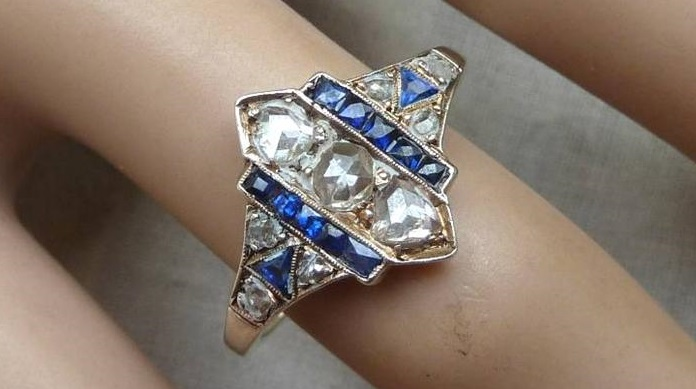 Gorgeous 18ct gold art deco sapphire and 1.15ct diamond ring