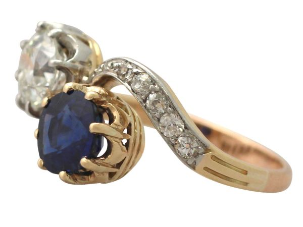 1.55 ct Sapphire and 1.34 ct Diamond, 18 ct Yellow Gold Twist Ring