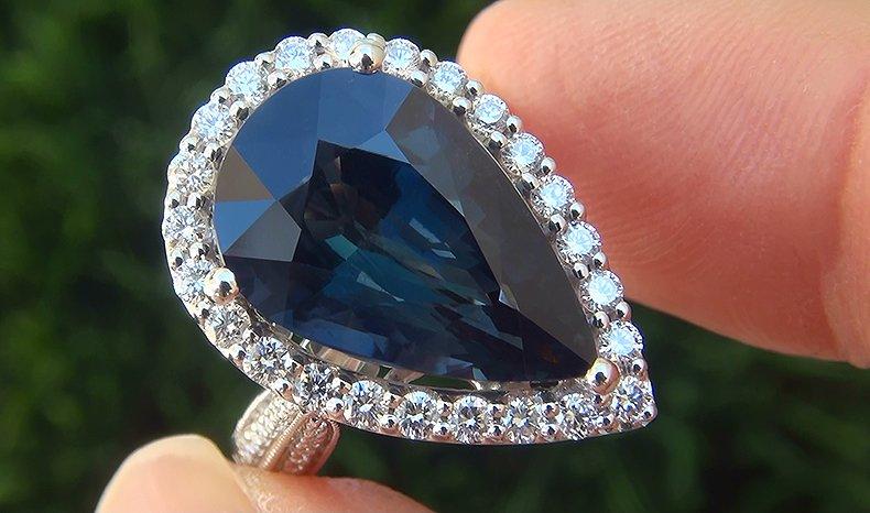 GIA 9.73 ct UNHEATED Natural VVS Blue Sapphire Diamond 18k White Gold Ring