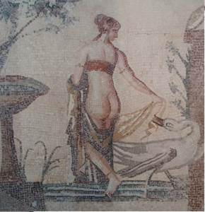 Roman-Lady-of-Leisure-290x300