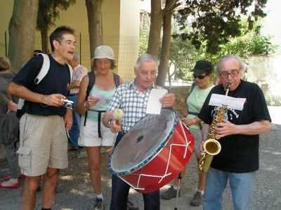 Orchestre interprétant la chanson du Sentier Francis Lastenouse