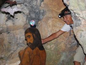 Balade-Sentier-Francis-Lastenouse-Tournissan-Aout-2013-grotte-prehistorique