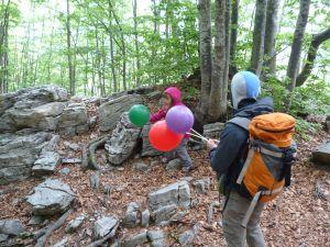 Anni fa: per fortuna qualcuno lascia palloncini lungo il percorso