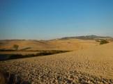 le colline e sullo sfondo, Volterra