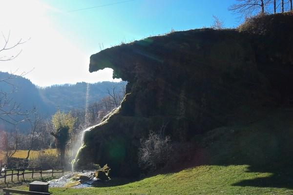 Una gita per tutti alle grotte di Labante e al suo presepe