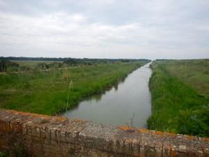 Uno dei vecchi canali di drenaggio che portano al mare