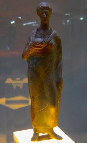 Statuetta di orante etrusco dal Lago degli Idoli