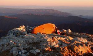 Campeggio libero: si può fare o no?