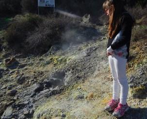 Camminando accanto alle fumarole