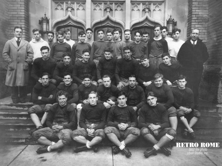 1932_rfa_football_team_01-1000
