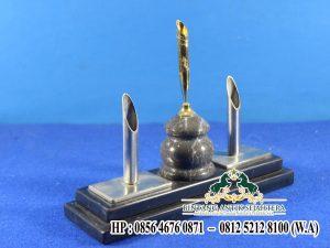 Model Pen Holder Minimalis