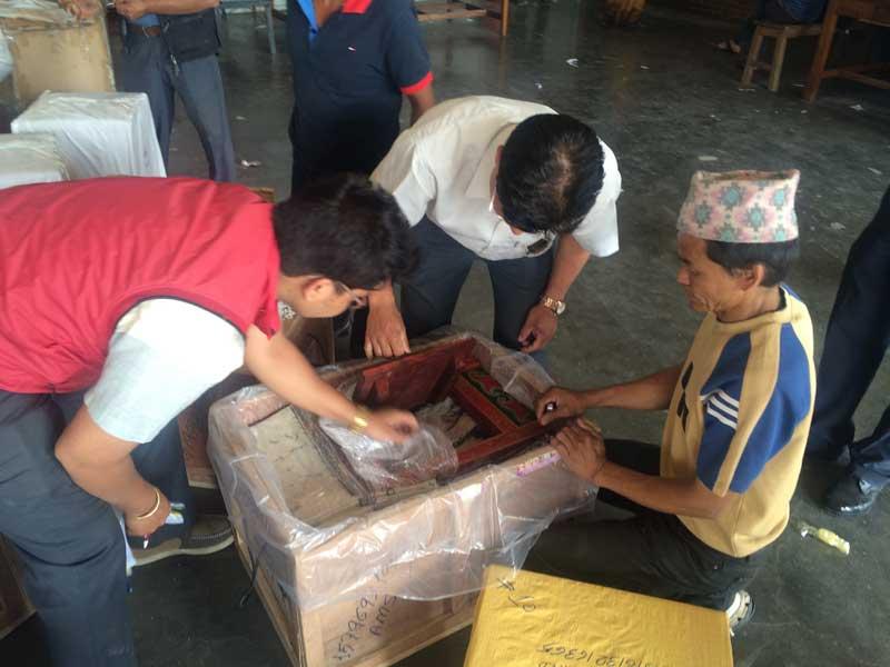 Shop Around the World handgemaakte producten uit Nepal. Groothandel en webshop