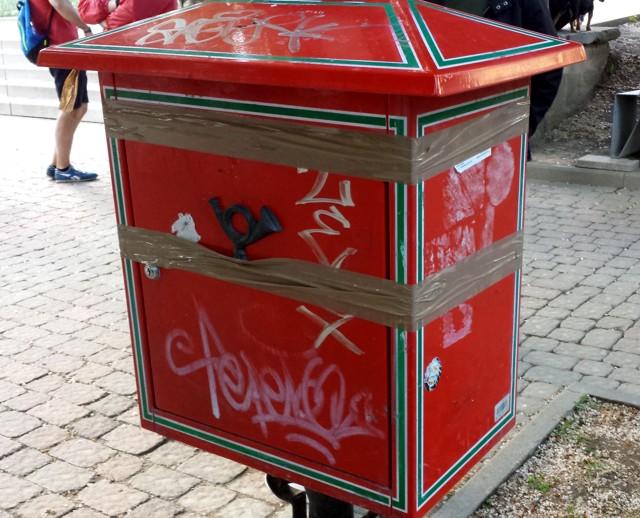 Postaláda Pécs belvárosában