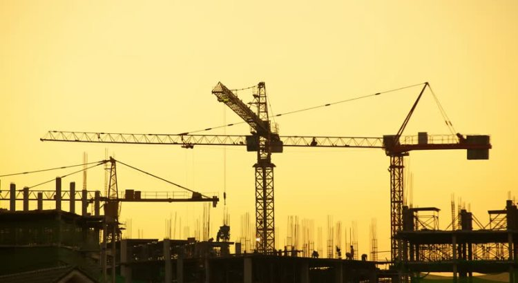 Reycom Menyediakan Berbagai Model Tower Crane