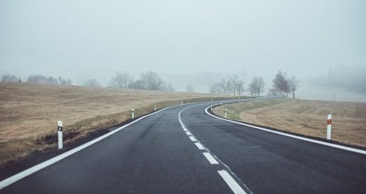 Code de la route : dépassement et franchissement d'une ligne blanche continue.