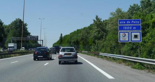 panneau de localisation d'une aire d'autoroute
