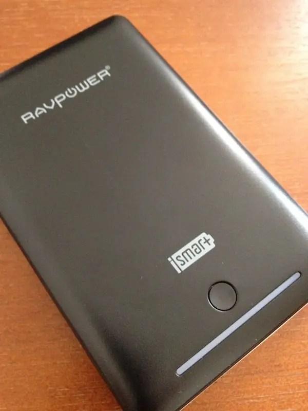 RAVpowerの第三世代DELUXE 大容量15000mAhのモバイルバッテリーを買ってみた