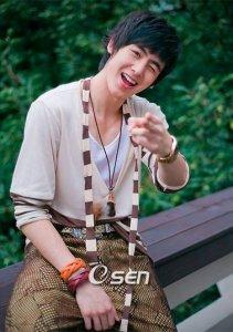 2011101_seoulbeats_nichkhun
