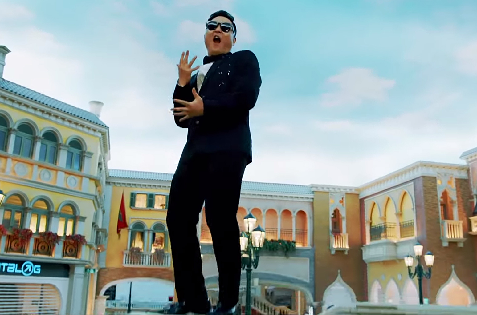 """Psy Tropes on Full Display in """"New Face"""" MV – Seoulbeats"""