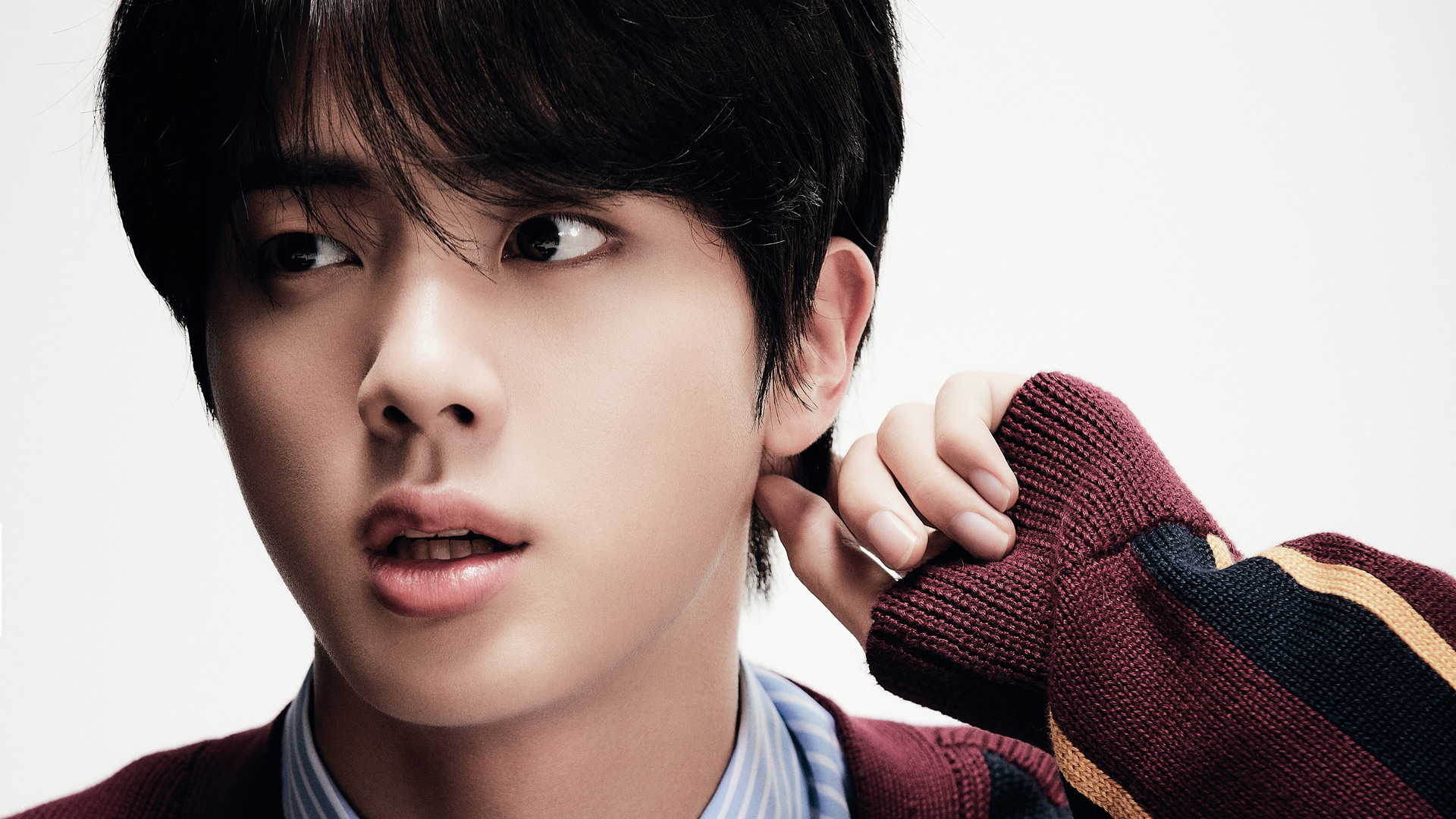 """BTS' Jin Soars On iTunes Charts In 105 Countries With """"Moon"""""""