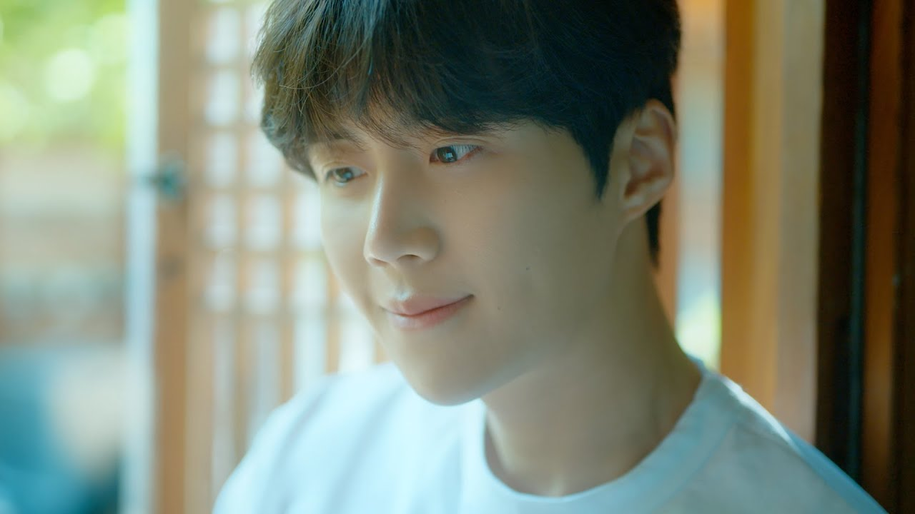 """Kim Seon Ho Dazzles In A Teaser For His Upcoming Single """"Reason"""""""