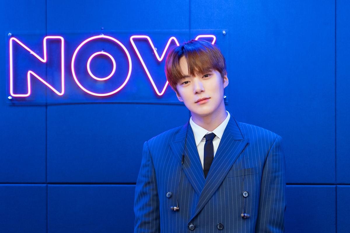 "MONSTA X's Minhyuk Celebrates 1st Anniversary As ""Vogue Ship Show"" Host"