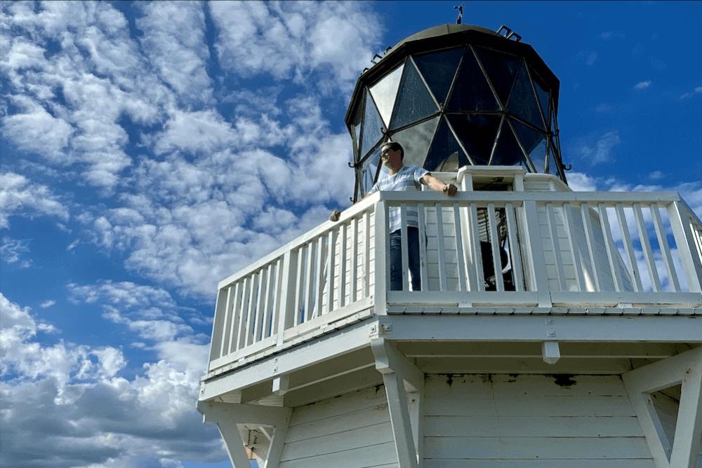 seo writer on a lighthouse
