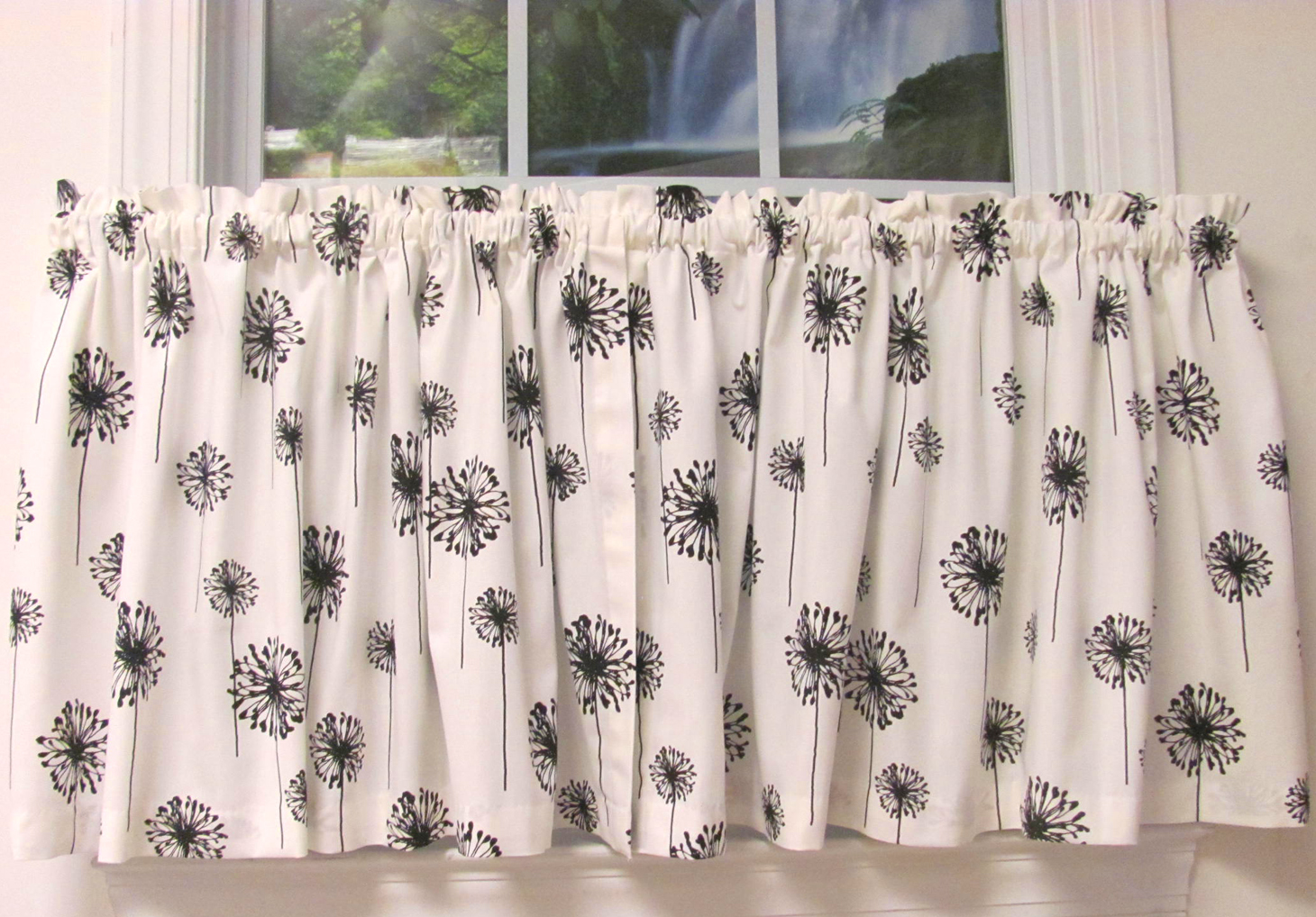 Posey White Black Monterey Valance 3Tab w Buttons