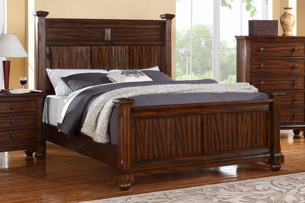 Macall Eastern King Bed