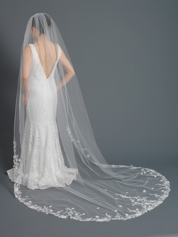 Wholesale Bridal Cathedral length floral embroidered lace wedding veil