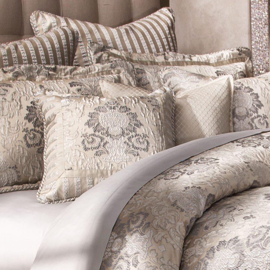 Michael Amini Sycamore Grove Bedding King or Queen size