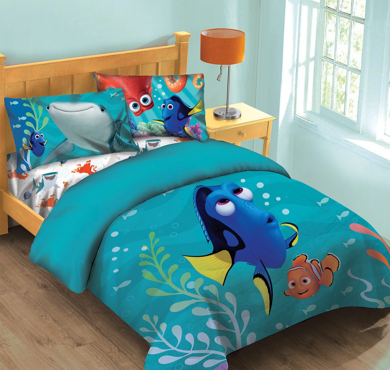 babies r us sofa bed recliner leather sofas uk disney finding dory fish finder comforter set w fitted sheet