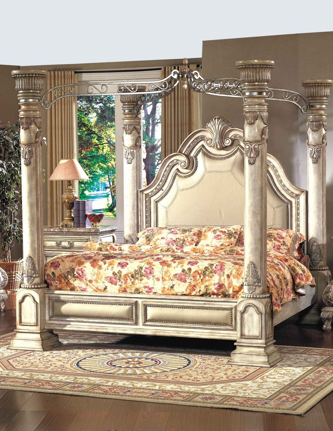 Victorian Style King Size Canopy Bed