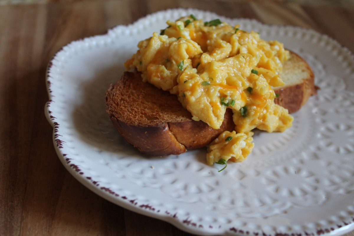 perfect cheddar scrambled eggs