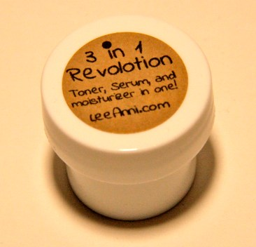 { Ipsy : 3-in-1 Revolotion - Toner, serum and moisturizer from 'Lee Ani }