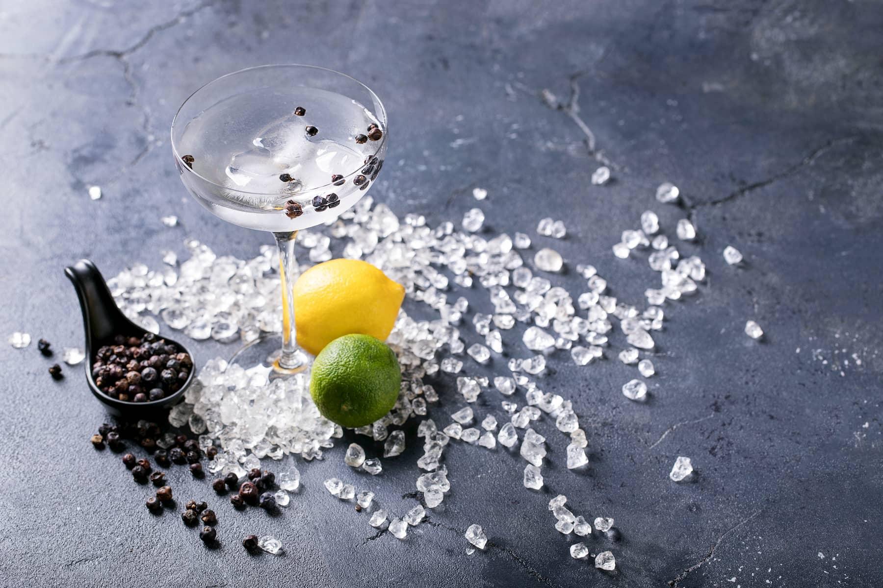 cuantos ml de ginebra para un gin tonic