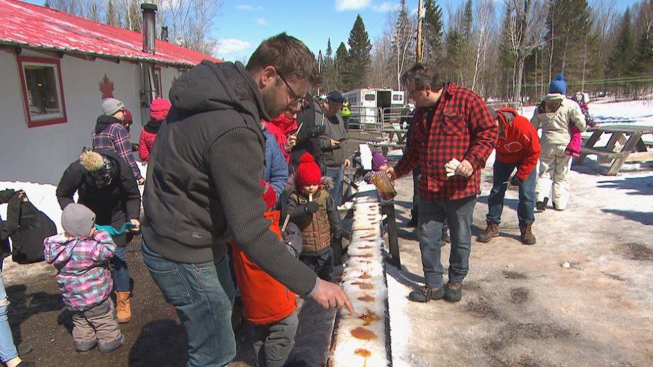 Des boîtes-repas pour sauver les cabanes à sucre | Radio-Canada.ca