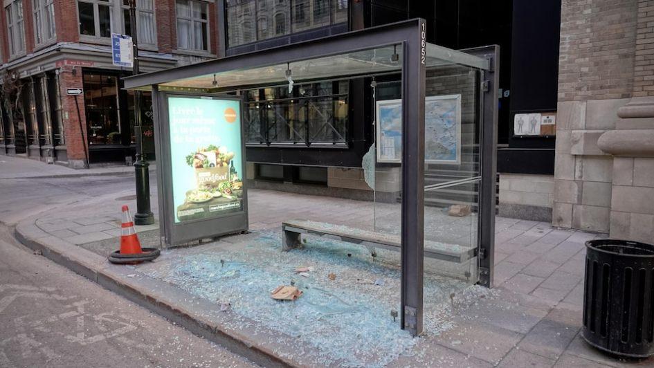 Grabuge dans le Vieux-Montréal : « absolument inacceptable », dénonce Plante | Coronavirus | Radio-Canada.ca