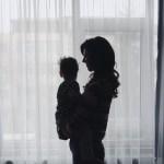 1 an si 3 luni cu Copila in brate