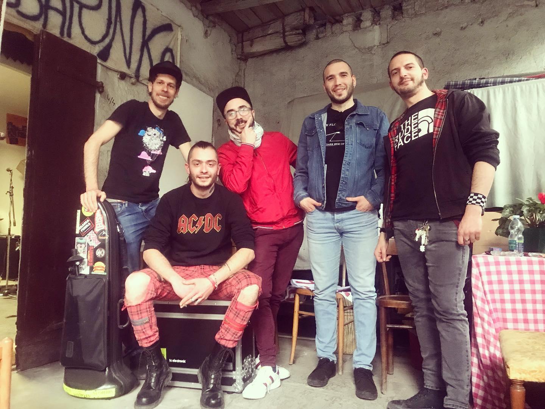 SKASSAPUNKA (Италия): Музиката е мощен инструмент за изразяване на гняв и критика към несправедливата система