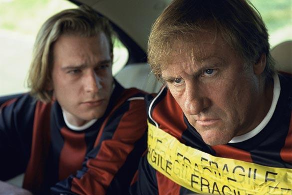 Gérard Depardieu et Guillaume Depardieu dans Aime Ton Père
