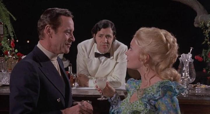 Jack Lemmon, Giacomo Rizzo et Juliet Mills dans le film Avanti! de Billy Wilder