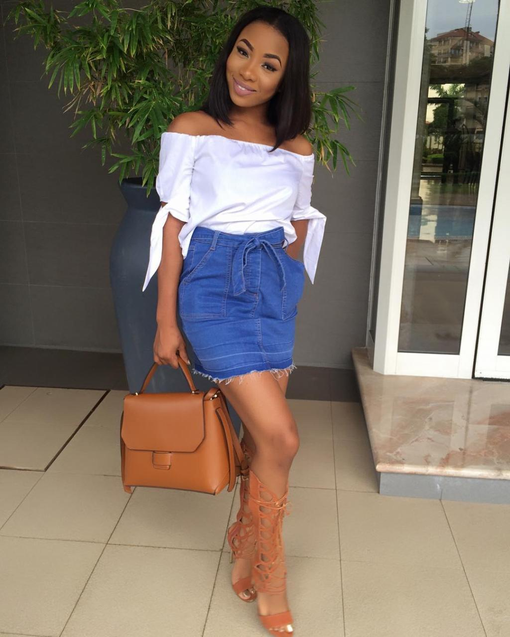 Singer Mo'Cheddah Flaunts S3xy Legs In Denim Mini Skirt -PHOTOS