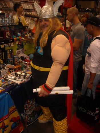 thor cosplay fan expo 2011