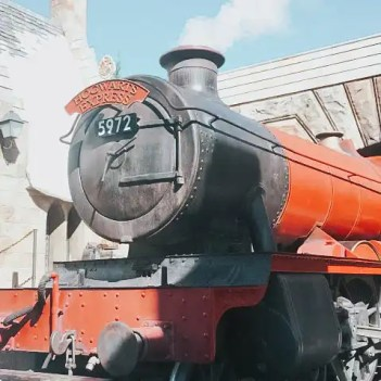 hogwarts-express-the-ultimate-guide-to-harry-potter-world