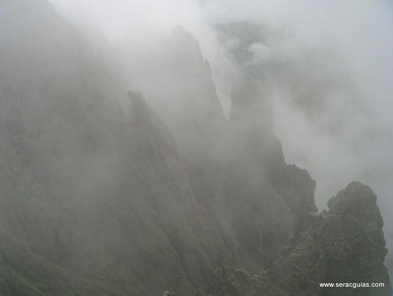 niebla Galayos Gredos SERAC COMPAÑÍA DE GUÍAS