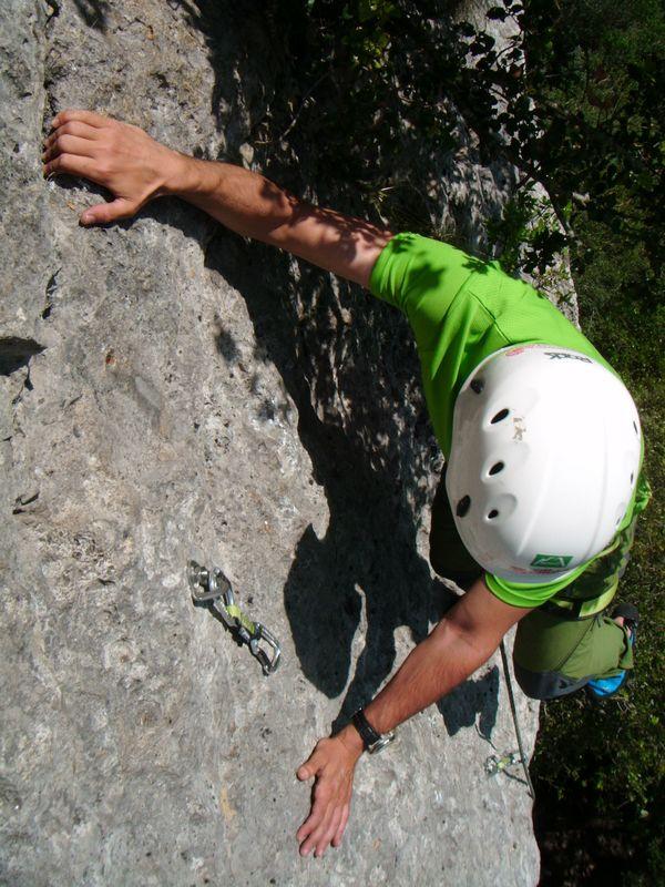 Curso de Iniciación a la Escalada en Roca SERAC COMPAÑÍA DE GUÍAS