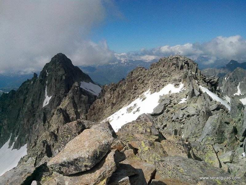 Cresta Besiberri Pirineo 1 SERAC COMPAÑÍA DE GUÍAS