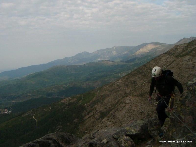 escalada Villarejo Gredos 2 SERAC COMPAÑÍA DE GUÍAS
